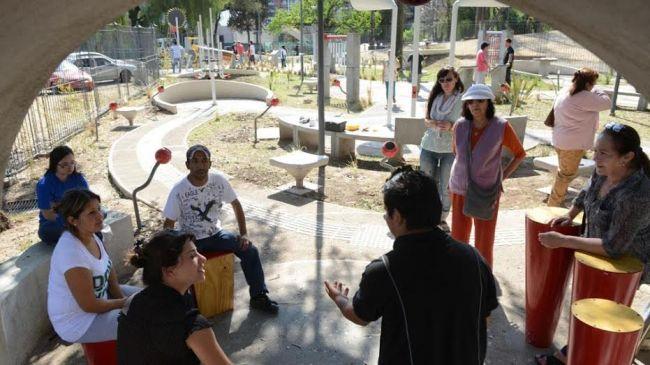 La provincia anunci que construir una plaza para personas discapacitadas en villa carlos paz - El jardin de los sentidos ...